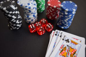 4 kaikkien aikojen parasta suomalaista pokerinpelaajaa